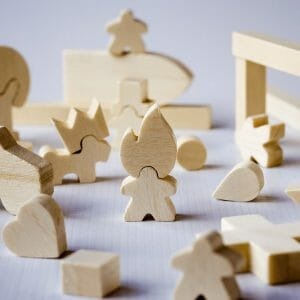 bilder wooden pieces